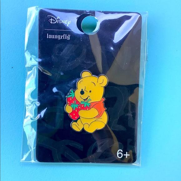 Disney loungefly Pooh trading pin